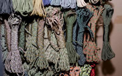 Paracord 550 – Découvrez tout sur cette corde imputrescible, adressée aux passionnés de Nature, de Survie et de Bushcraft. Et apprenez comment elle peut vous être utile à travers vos sorties en montagne mais aussi votre quotidien.